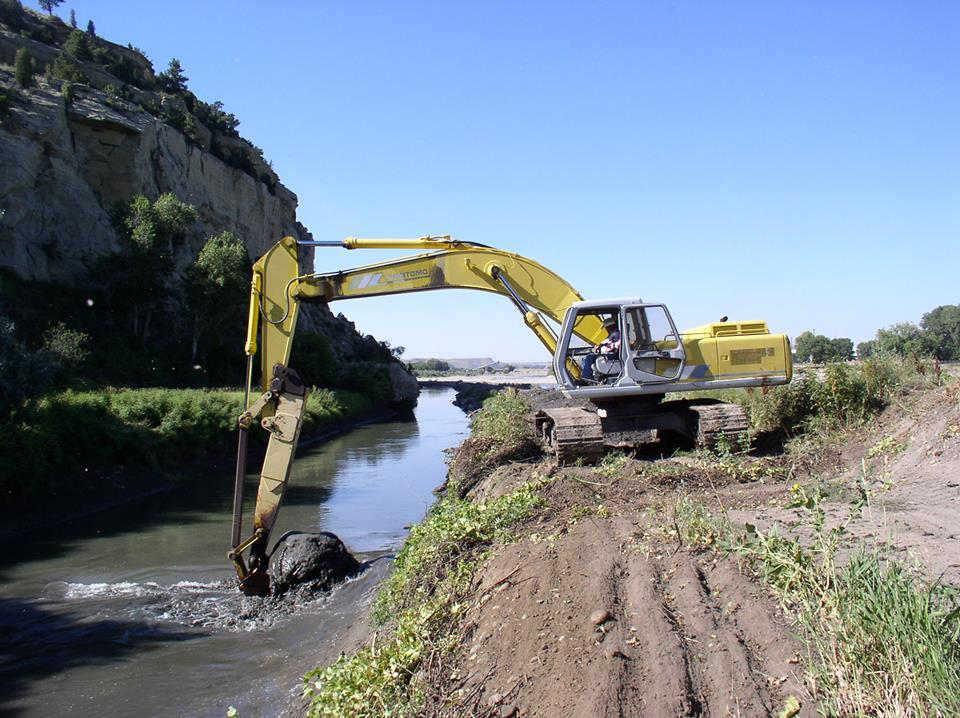 Cleaning of Lockwood Irrigation District Water Canal in Yellowstone River